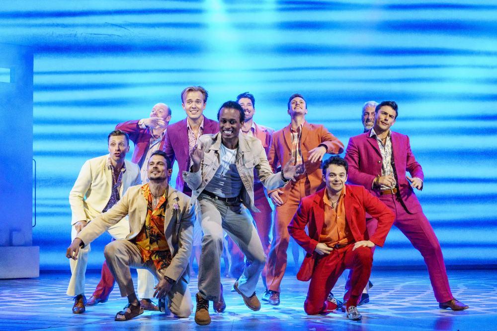 Kritik zu Mamma Mia! - Das Musical: Großartige Songs und Tanzszenen