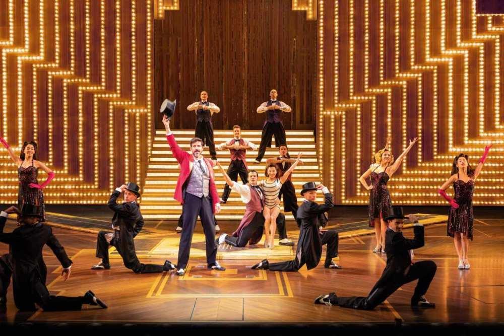 Erfahrungen und Bewertung Musical Paramour: Glamouröse Bühnenshow