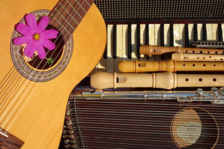Welches Instrument passt zu mir: Tasten-, Saiten- oder Blasinstrument